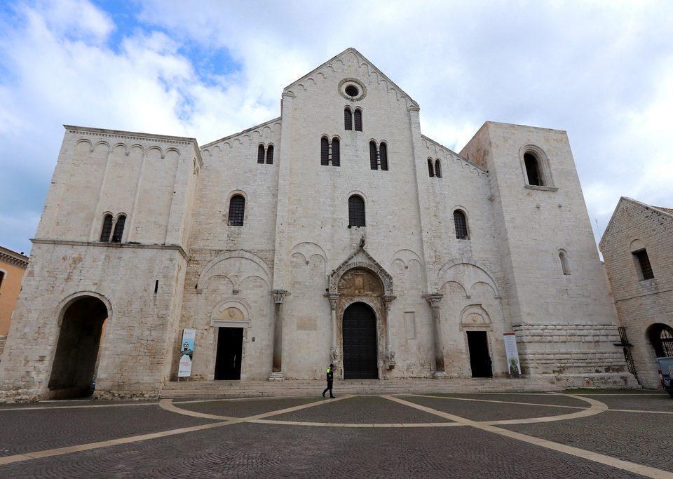 5 luoghi da vedere a Bari con Velo Service
