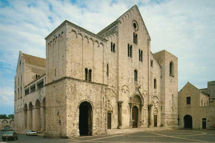 basilica di san nicola di bari chiesa a bari vecchia